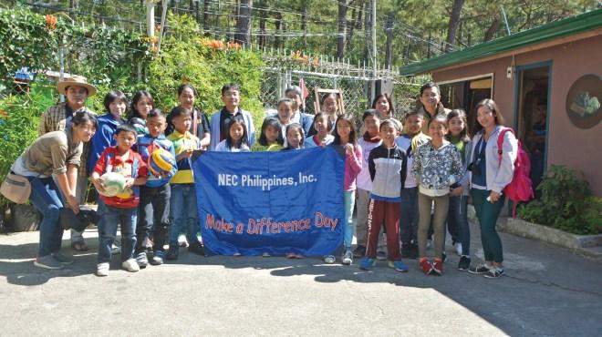 NECフィリピンからもスタッフが参加。宿泊先のTALAシェア&ゲストハウスTALAで