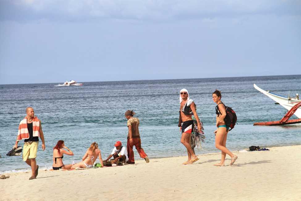 プエルトガレラは欧米人も多く訪れるリゾート地です