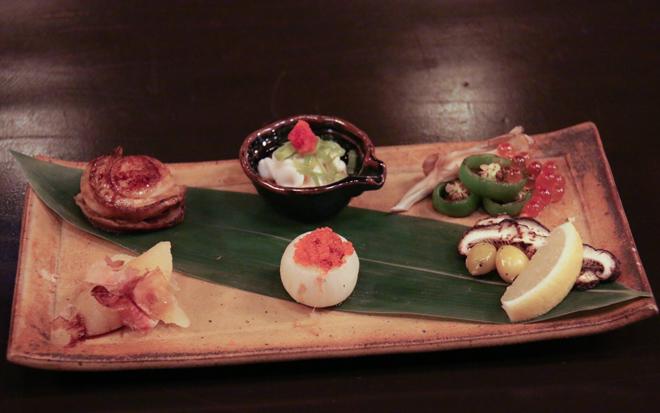 大河内シェフが日々の仕入れによってさまざまにアレンジして準備する前菜は、日本の四季を感じることができるうれしい心づかいがなされている