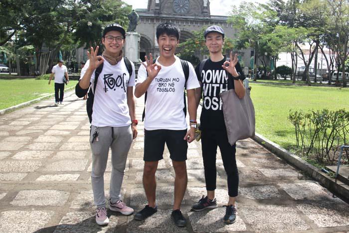 ハポンスリー(HPN3 / Japanese Comedians) 吉本興業の住みますプロジェクトでマニラにやってきた芸人。本来はYuki(中)はピン芸人、Kazu(左)とIno(右)は黄金時代というコンビだが、現在は3人で活動中。