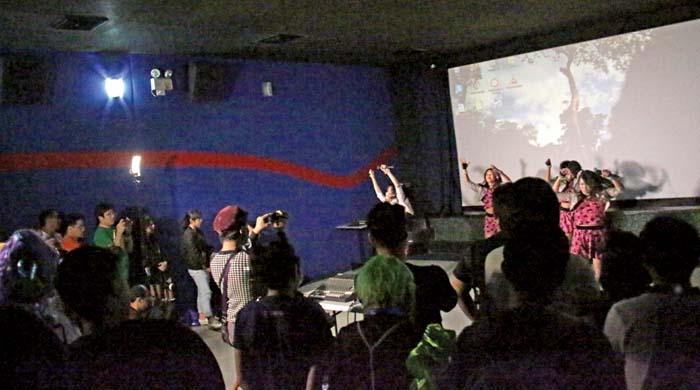 Ivy! Musumeがライブを披露 Ivy! Musume shows live.