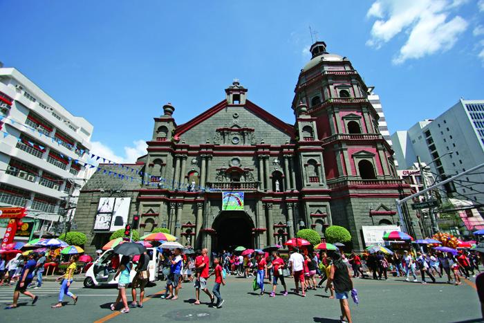 中華街のランドマーク、ビノンド教会  The land mark of Chinatown, Binondo church.