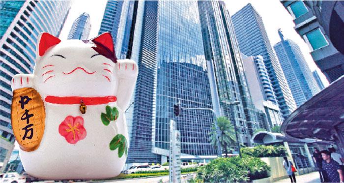 フィリピン投資の魅力はGDPと人口ボーナスにより、あらゆる経済活動が活性化し、市場が拡大と成長を続けていること。  ドゥテルテ大統領は次々と諸外国からの資金を取り付け、民間企業も外資との連携を強め、BPO(ビジネス・プロセス・アウトソーシング)やOFW(フィリピン人海外就労者)もとどまることなく増え続けている。ならばせっかくフィリピンにいてただ手をこまねいているだけではもったいない。ここは、今をチャンスととらえて始めてみてはいかがだろうか?フィリピンで資産運用、いつやるの?今でしょ!